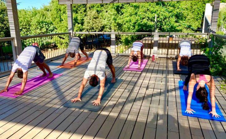 חווית יוגה בעין זיוון | כתבה בעיתון קרית שמונה ואצבע הגליל